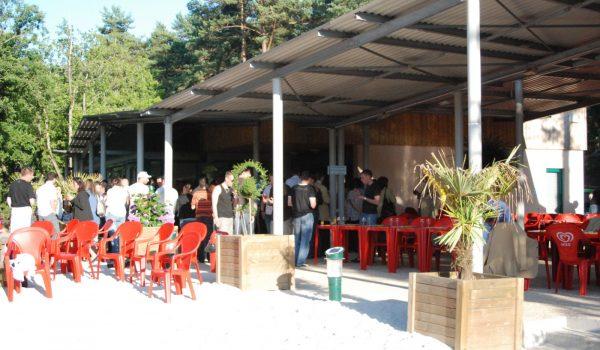 bar restaurent à cote de la piscine de butheirs