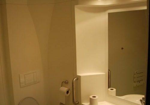 Salle de bain hébergement Les Sables 77
