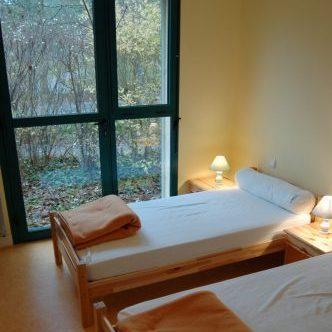 Chambre deux lits simple Gîte Marais