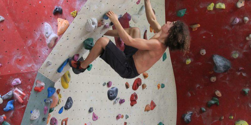 Escalade en salle à Buthiers bien pour l'endurance, l'agilité et la force